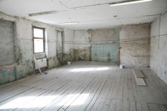 Stanza vuota in vecchia costruzione Immagini Stock Libere da Diritti