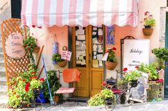 Stanze disponibili, Riomaggiore, Cinque Terre, Italia fotografie stock