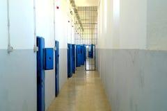 Stanze interne della prigione del vecchio Asinara che si è trasformata in in un museo pubblico, il mar Mediterraneo, Sardegna, It Fotografia Stock Libera da Diritti