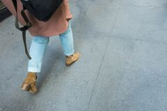 Stap voor stap zich beweegt, manier sidewalk Royalty-vrije Stock Afbeeldingen