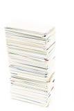 Stapel adreskaartjes op de geïsoleerde lijst Royalty-vrije Stock Afbeelding
