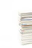 Stapel adreskaartjes op de geïsoleerde lijst Stock Fotografie