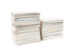 Stapel adreskaartjes op de geïsoleerdei lijst Royalty-vrije Stock Afbeelding