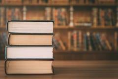 Stapel alte Bücher lizenzfreie stockbilder