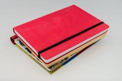 Stapel alte Bücher getrennt Stockfotografie