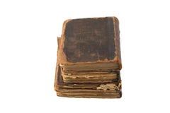 Stapel alte Bücher lokalisiert auf einem weißen Hintergrund Lizenzfreies Stockfoto