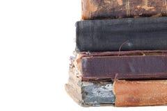 Stapel alte Bücher lokalisiert auf einem weißen Hintergrund Raum für te Stockfoto