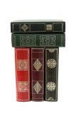 Stapel alte Bücher lokalisiert auf Weiß Lizenzfreies Stockfoto