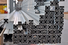 stapel aluminium structurele profielen royalty-vrije stock foto's