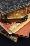 Stapel antieke boeken Stock Afbeeldingen