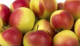 Stapel av äpplen Arkivfoton