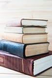 Stapel av gammala böcker Royaltyfria Bilder