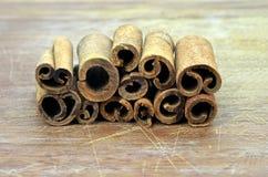 Stapel av kanelbruna sticks Royaltyfria Foton