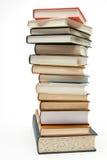 Stapel Bücher auf weißem Hintergrund. Lizenzfreie Stockfotografie