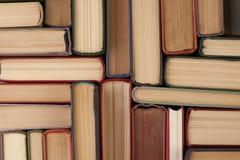 Stapel Bücher des gebundenen Buches Lizenzfreie Stockbilder
