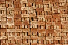 Stapel bakstenen voor verkoop in Dhaka, Bangladesh Stock Foto's