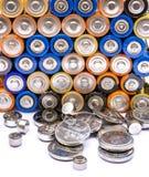 Stapel Batterien bereit zur Wiederverwertung Lizenzfreies Stockfoto