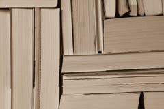 Stapel benutzte alte Bücher Stockbilder