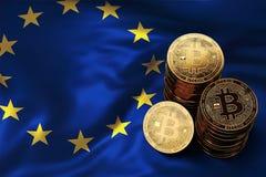 Stapel Bitcoin-muntstukken op de EU-vlag Situatie van Bitcoin en andere cryptocurrencies in Europese Unie Stock Foto's
