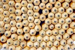 Stapel Bleistifte mit den Punkten, die ein Muster bilden Lizenzfreie Stockfotografie