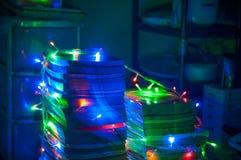 Stapel boeken in Kerstmislichten Royalty-vrije Stock Afbeeldingen