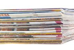 Stapel bunte Zeitschriften oder Dokumente Stockbild