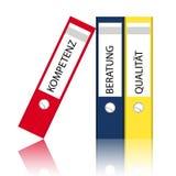 Stapel bureaudossiers Stock Foto's