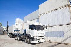 Stapel Container an den Docks Stockfoto
