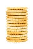 Stapel crackers op wit worden geïsoleerd dat Stock Afbeeldingen