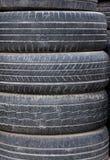 Stapel der alten Reifen Lizenzfreies Stockfoto