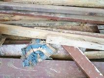 Stapel der benutzten Planke und des Fetzens Lizenzfreies Stockbild
