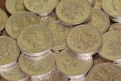 Stapel der englischen Poundmünzen Stockbild