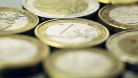Stapel der Euromünzen stock video footage