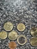 Stapel der Euromünzen Stockbilder