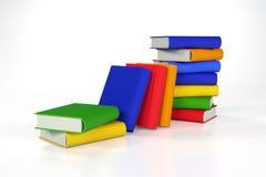 Stapel der farbigen Bücher auf Weiß Stockfotos
