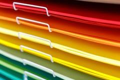 Stapel der farbigen Pappe für das Zeichnen lizenzfreies stockfoto