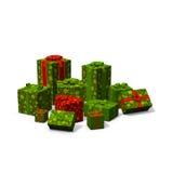 Stapel der grünen und roten Weihnachtsgeschenke Stockbild