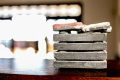 Stapel der grauen Marmorrolle stockfotografie