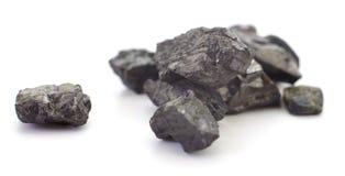 Stapel der Kohle lokalisiert stockfotografie