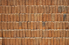 Stapel der roten Ziegelsteine. Stockbilder