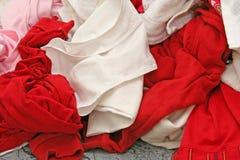 Stapel der schmutzigen Kleidung Stockbilder