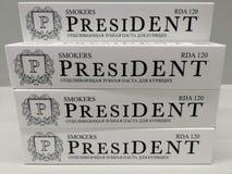 Stapel der Zahnpasta 'Präsident ' stockfotografie
