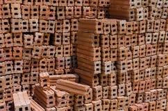 Stapel der Ziegelsteine für Bau Lizenzfreies Stockfoto