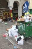 Stapel des Abfalls in der Mitte von Saloniki Lizenzfreie Stockfotos