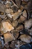 Stapel des alten Holzes Stockfotografie