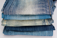 Stapel des blauen Baumwollstoffs Lizenzfreie Stockfotos