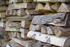 Stapel des Brennholzabschlusses oben Lizenzfreies Stockfoto