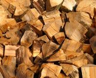 Stapel des gehackten Holzes Stockbilder