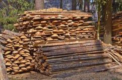 Stapel des Holzes stockfotografie