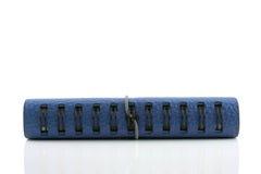 Stapel des Ringmappen-Ledernotizbuchisolats stockfotos